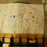 Tagging-Tapeten in der Ausstellung